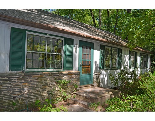 Single Family Home for Sale at 22 Breckenridge Road 22 Breckenridge Road Hadley, Massachusetts 01035 United States