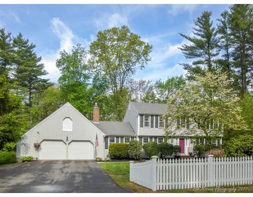 独户住宅 为 销售 在 20 Surrey Lane 斯菲尔德, 01983 美国