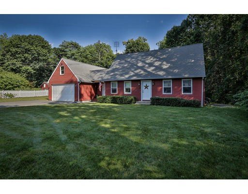 Single Family Home for Sale at 32 Orchard Road Holden, Massachusetts 01520 United States