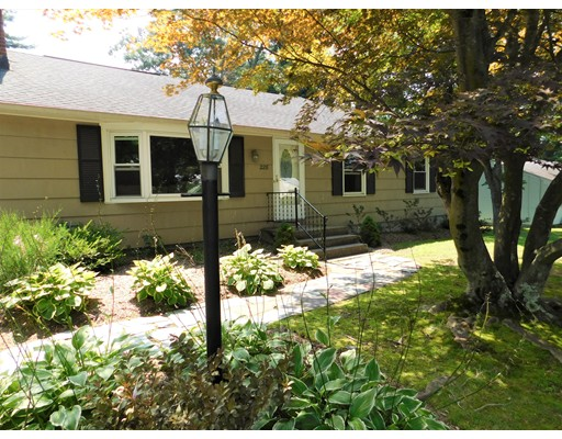 Single Family Home for Sale at 228 Maple Street East Longmeadow, Massachusetts 01028 United States