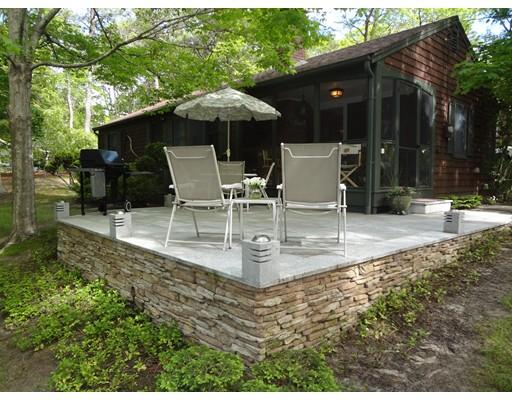 Maison unifamiliale pour l Vente à 131 Elizabeth Lane Dennis, Massachusetts 02660 États-Unis