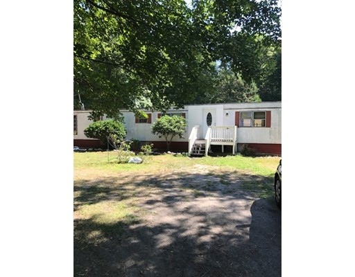 Single Family Home for Sale at 82 Gammons Road 82 Gammons Road Acushnet, Massachusetts 02743 United States
