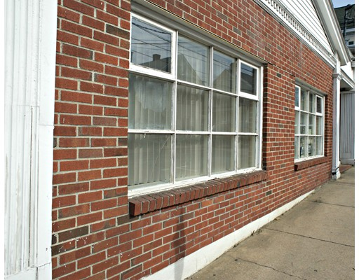 Additional photo for property listing at 38 Market Street 38 Market Street Amesbury, Massachusetts 01913 Estados Unidos