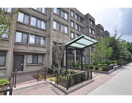 Additional photo for property listing at 1731 Beacon  Brookline, Massachusetts 02445 Estados Unidos