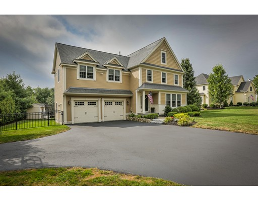 Casa Unifamiliar por un Venta en 16 Meadow Hill Road 16 Meadow Hill Road Shrewsbury, Massachusetts 01545 Estados Unidos