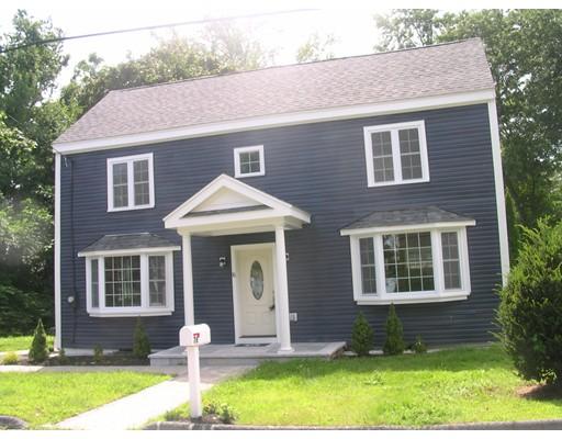 Casa Unifamiliar por un Venta en 76 MAGNOLIA STREET 76 MAGNOLIA STREET Lowell, Massachusetts 01854 Estados Unidos