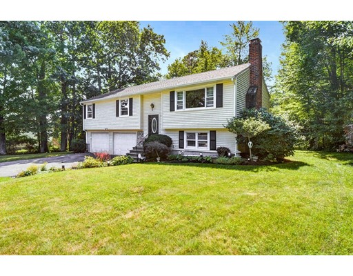 Single Family Home for Sale at 82 Cedar Road Holden, Massachusetts 01520 United States