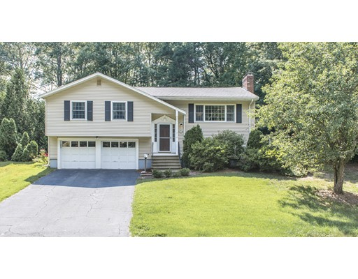 Maison unifamiliale pour l Vente à 34 Fencourt Road Canton, Massachusetts 02021 États-Unis