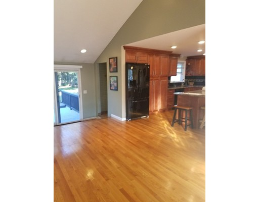 Picture 2 of 7 Millpond Dr  Billerica Ma 3 Bedroom Single Family