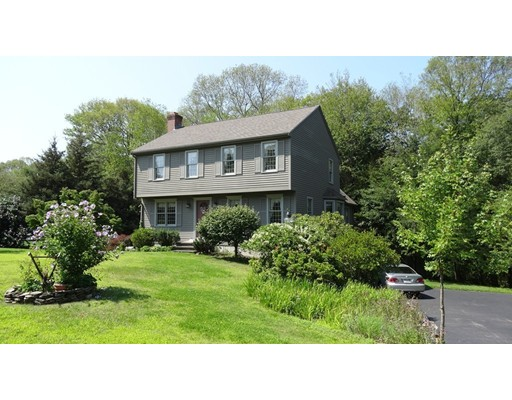 Single Family Home for Sale at 10 Oak View Lane 10 Oak View Lane Hopedale, Massachusetts 01747 United States