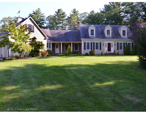 Single Family Home for Sale at 10 Buckskin Drive 10 Buckskin Drive Mansfield, Massachusetts 02048 United States