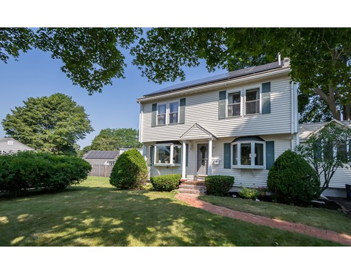Picture 2 of 28 Country Dr  Beverly Ma 3 Bedroom Single Family