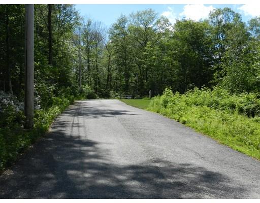 Terrain pour l Vente à 3 Hemlock Street Douglas, Massachusetts 01516 États-Unis