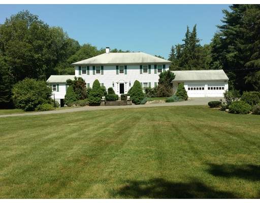 Single Family Home for Sale at 104 Bay State Road 104 Bay State Road Rehoboth, Massachusetts 02769 United States