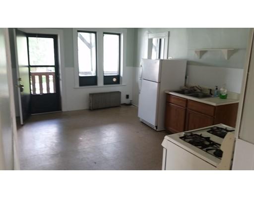 Maison unifamiliale pour l à louer à 4 Bolton Street South Hadley, Massachusetts 01075 États-Unis