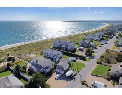 Casa para uma família para Venda às 67 Long Beach Road 67 Long Beach Road Barnstable, Massachusetts 02632 Estados Unidos