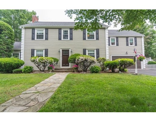 Picture 12 of 992 Brook Rd  Milton Ma 4 Bedroom Single Family