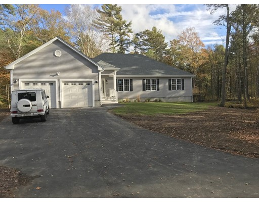 Single Family Home for Sale at 979 Faunce Corner Road Dartmouth, Massachusetts 02747 United States