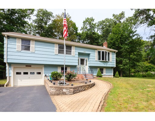 Single Family Home for Sale at 109 Allen Road Easton, Massachusetts 02356 United States