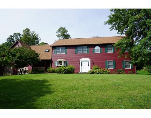 独户住宅 为 销售 在 85 East Street Adams, 马萨诸塞州 01220 美国