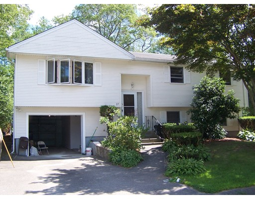 Casa Unifamiliar por un Alquiler en 27 Petipas Lane Randolph, Massachusetts 02368 Estados Unidos