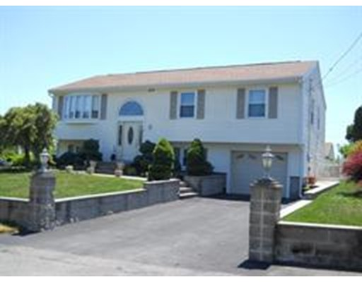 Single Family Home for Sale at 4 Tenley Avenue Dartmouth, Massachusetts 02747 United States