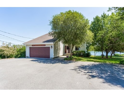 Single Family Home for Sale at 1238 Riverside Avenue 1238 Riverside Avenue Somerset, Massachusetts 02726 United States