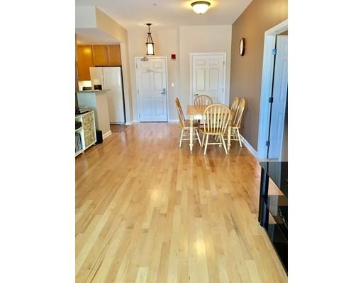 共管式独立产权公寓 为 销售 在 36 Village Road 米德尔顿, 01949 美国
