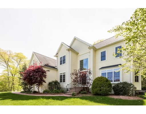Single Family Home for Sale at 50 Cedar Farm Road 50 Cedar Farm Road Medway, Massachusetts 02053 United States
