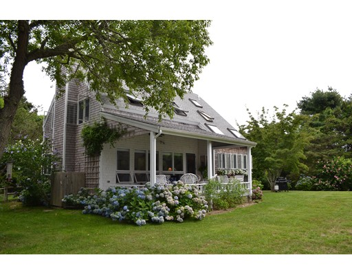 واحد منزل الأسرة للـ Sale في 10 Kitts Field Circle Edgartown, Massachusetts 02539 United States