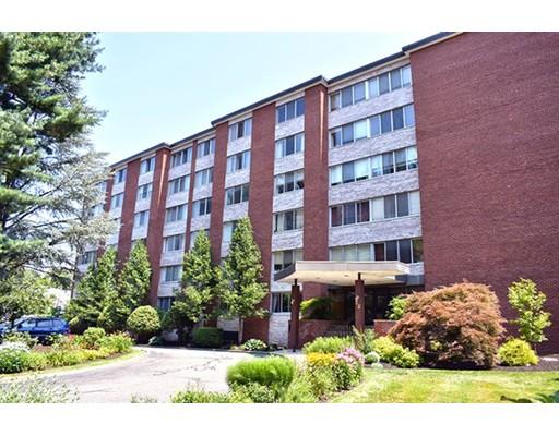 Кондоминиум для того Продажа на 22 Chestnut Place Brookline, Массачусетс 02445 Соединенные Штаты