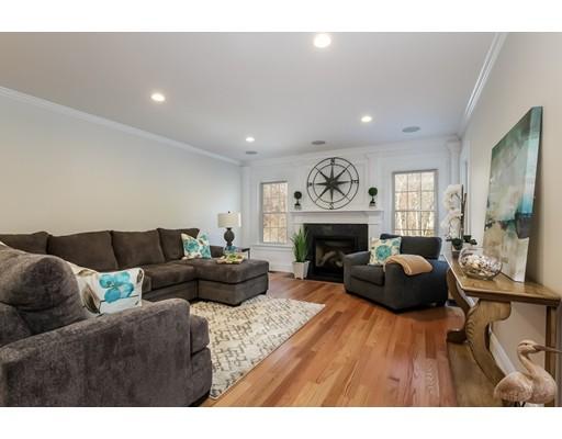 واحد منزل الأسرة للـ Sale في 11 Seneca Lane 11 Seneca Lane Sandwich, Massachusetts 02563 United States
