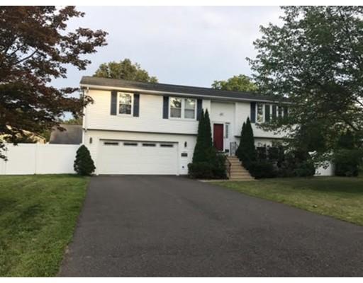 Maison unifamiliale pour l Vente à 145 Maple Street Agawam, Massachusetts 01001 États-Unis
