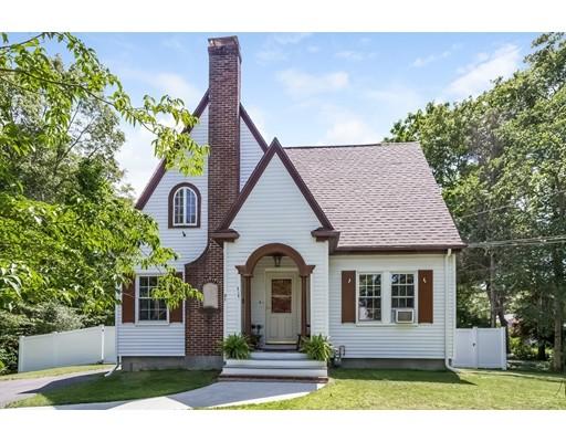 Maison unifamiliale pour l Vente à 71 Dexter Street Attleboro, Massachusetts 02703 États-Unis