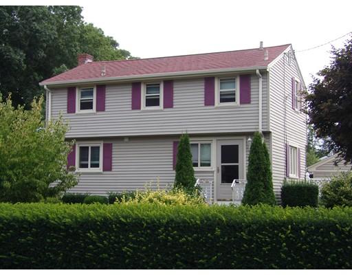 واحد منزل الأسرة للـ Sale في 192 Sharp Street Dartmouth, Massachusetts 02747 United States