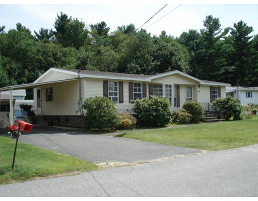 واحد منزل الأسرة للـ Sale في 155 Champagne Road Gardner, Massachusetts 01440 United States