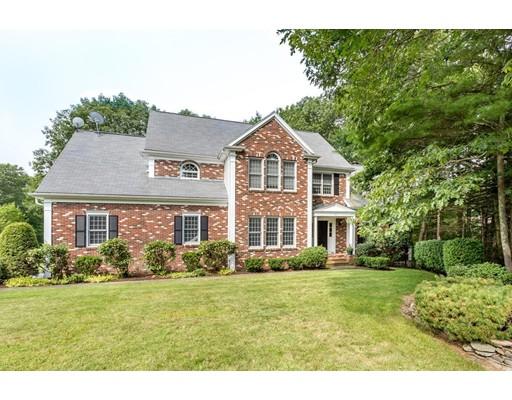 Maison unifamiliale pour l Vente à 10 Emerson Road Canton, Massachusetts 02021 États-Unis