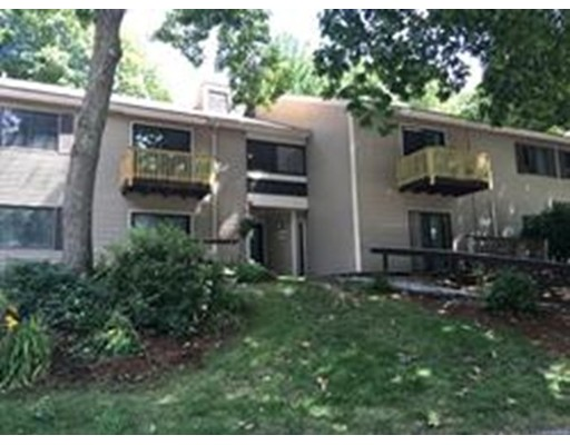 Maison unifamiliale pour l à louer à 24 Thayer Pond Village Oxford, Massachusetts 01537 États-Unis