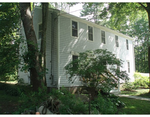 8 Leigh Rd, Norwell, MA 02061