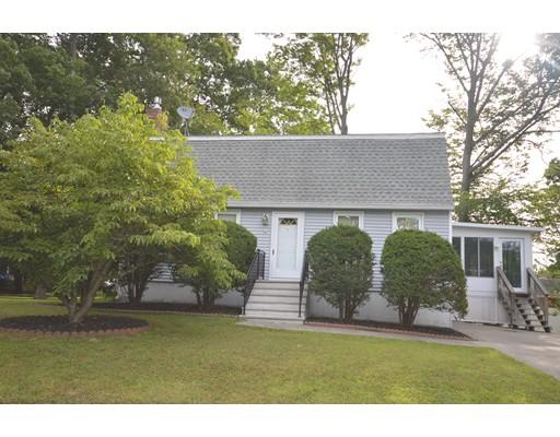 Частный односемейный дом для того Продажа на 8 Birch Street Amesbury, Массачусетс 01913 Соединенные Штаты