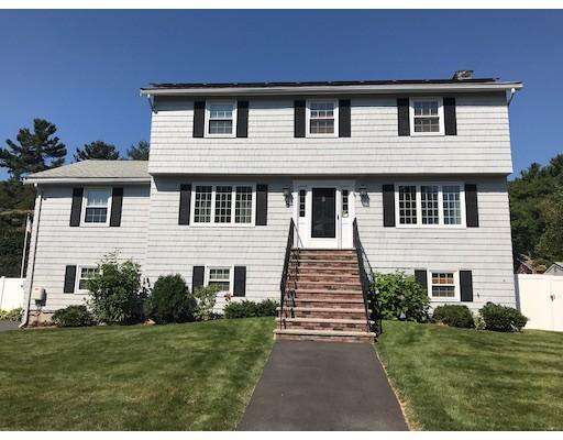 Maison unifamiliale pour l Vente à 8 Fernwood Road Saugus, Massachusetts 01906 États-Unis