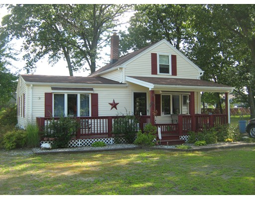 Single Family Home for Sale at 51 Anson Street Chicopee, Massachusetts 01020 United States