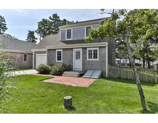 Single Family Home for Sale at 4 Dory Eastham, Massachusetts 02642 United States