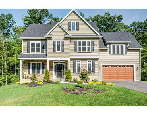 Частный односемейный дом для того Продажа на 394 Hilltop Road Lancaster, Массачусетс 01523 Соединенные Штаты
