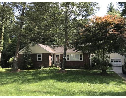 Casa Unifamiliar por un Alquiler en 147 Billings Street 147 Billings Street Sharon, Massachusetts 02067 Estados Unidos