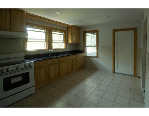 Casa unifamiliar adosada (Townhouse) por un Alquiler en 169 Blue Hill Ave #2 169 Blue Hill Ave #2 Milton, Massachusetts 02186 Estados Unidos