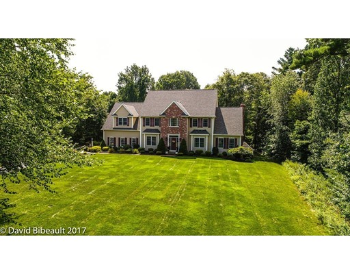 Single Family Home for Sale at 4 Freeman Place Mendon, Massachusetts 01756 United States