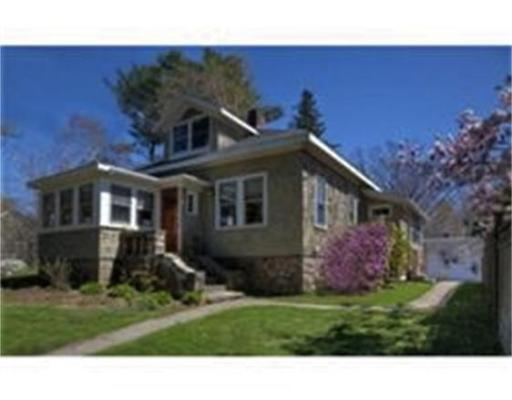 Casa Unifamiliar por un Venta en 256 Essex Avenue Gloucester, Massachusetts 01930 Estados Unidos