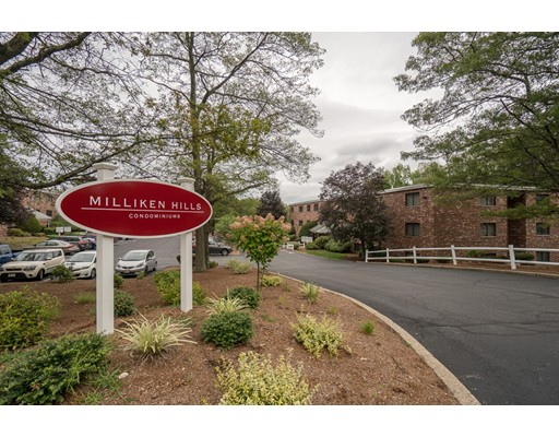 Appartement en copropriété pour l Vente à 65 Milliken Avenue Franklin, Massachusetts 02038 États-Unis