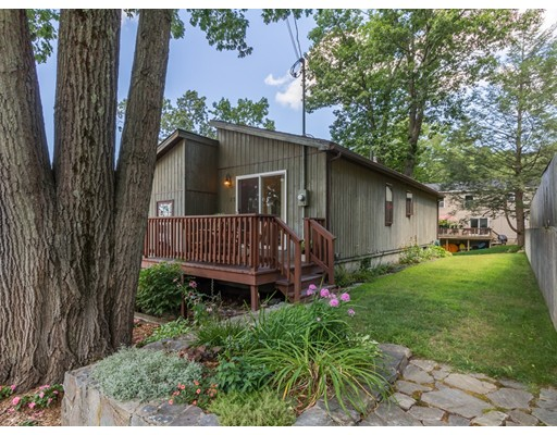 Casa Unifamiliar por un Venta en 25 2Nd Street Amesbury, Massachusetts 01913 Estados Unidos